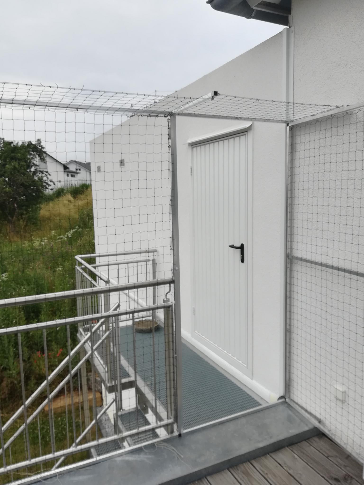 Katzenschutznetz mit Tür am Balkon